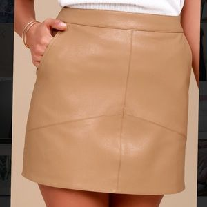 Lulu's tan leather skirt